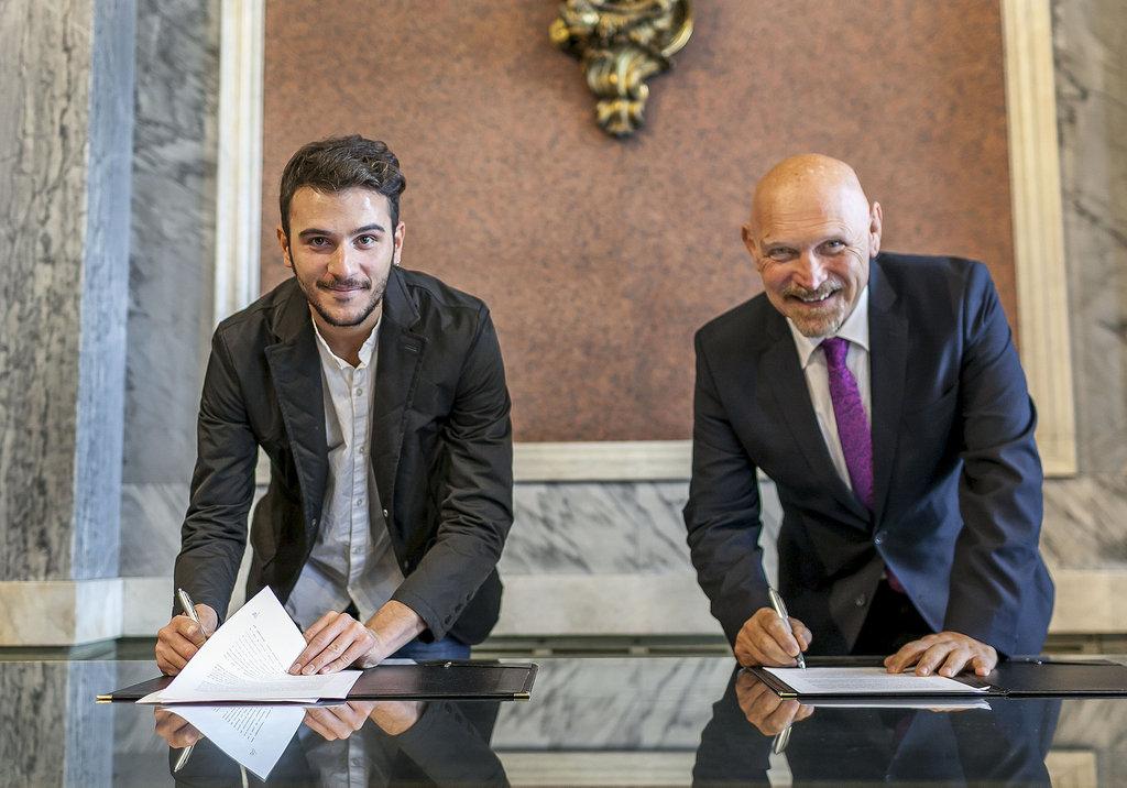 """El BNA firmó un convenio en el marco del Programa """"Tu Compromiso ..."""