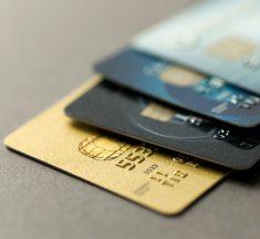 El Central impuso tope de 55% a tarjetas de créditos y congeló las comisiones