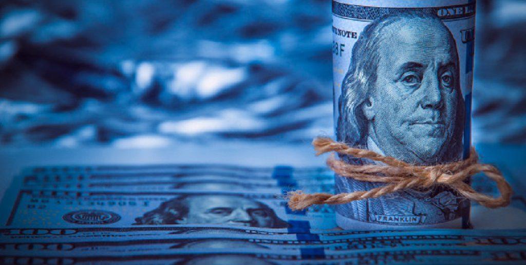 El dólar blue hoy sube a $185 y ya triplica el rendimiento de un plazo fijo