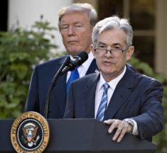 Tras críticas de Trump, presidente de la FED sugiere que no subirá la tasa