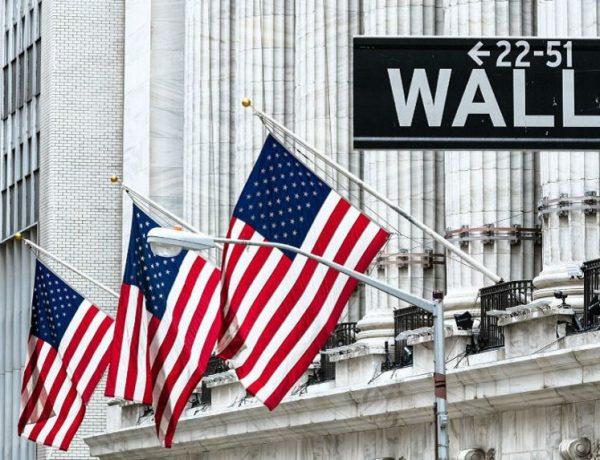En un día negativo para los mercados globales, las acciones se hundieron más de 9% en Wall Street