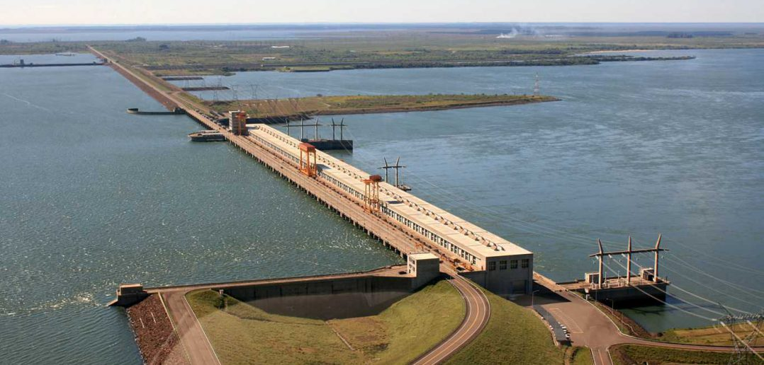 Vuelan las importaciones de energía por la bajante del  río Paraná y le agregan más presión a las reservas